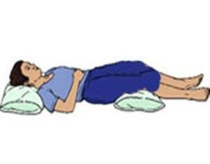 روش درست خوابیدن برای درمان گودی کمر