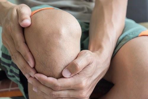 نشانه های آرتروز زانو چیست